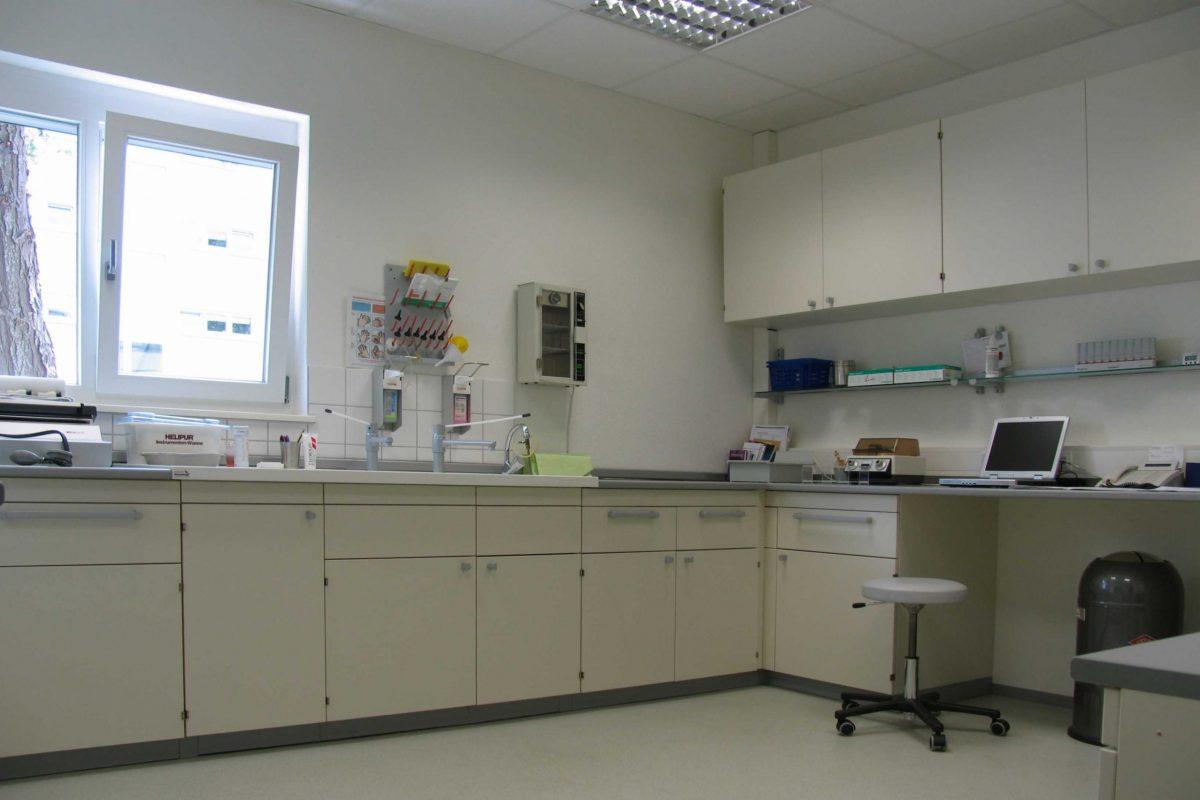 Arzt Behandlung 3